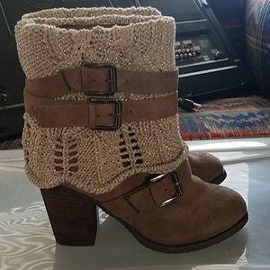 Sweater boot